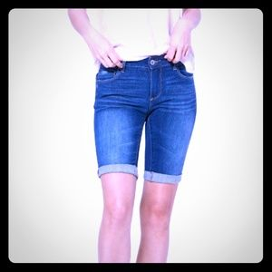 BOGO SALE! PAIGE BERMUDA KNEE SHORTS ROLLED